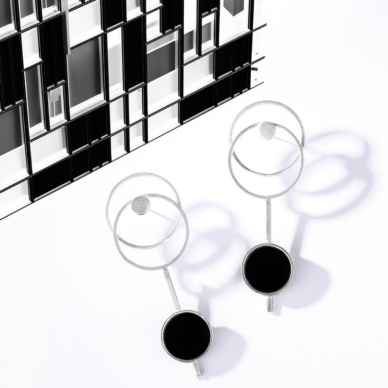 Silver Toned Triple Circle Earrings With Black Perspex