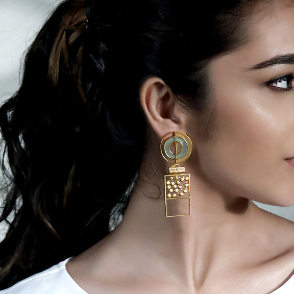 GOLD TONED SPLIT CIRCULAR BLOCK DROP EARRINGS WITH ACRYLIC & DOTTED DETAIL