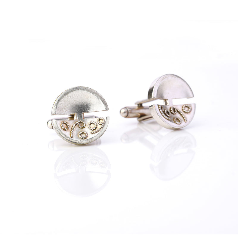 Silver Toned Circle Cuff Links With Filigree