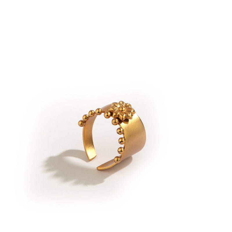 GOLD PLATED RING WITH ENGRAVING FLOWER AND ONE SIDE 2 DOTS