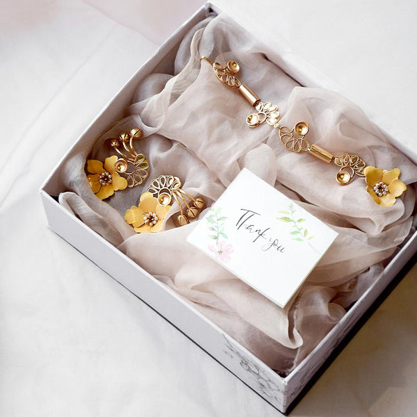 THE AMBER LILY BOX