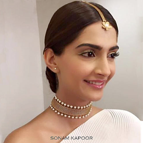 ethnic-weaves-golden-pearl-mangtika-worn-by-sonam-kapoor