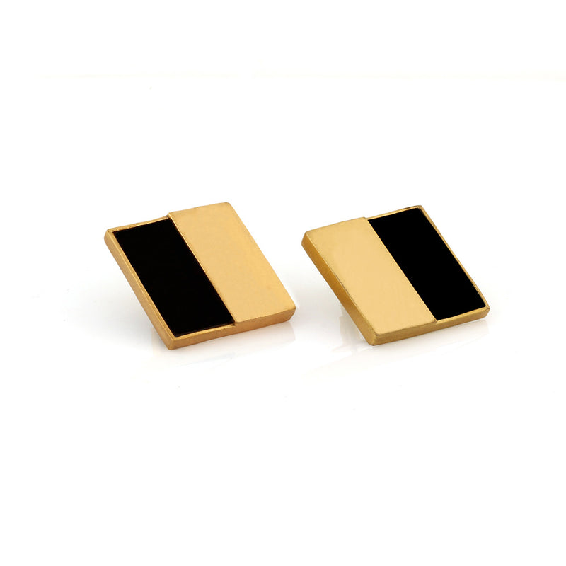 GOLD TONED AND BLACK COMPOSITE SQUARE STUD EARRINGS WORN BY TAAPSEE PANNU