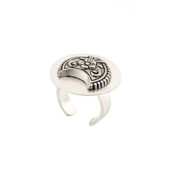 Sterling Silver Circle Finger Ring With Floral Emblem