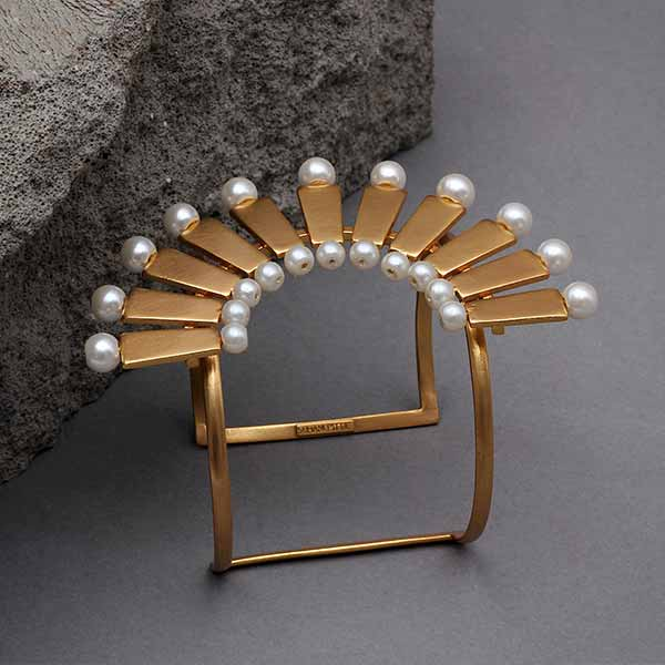 gold-toned-brick-&-pearl-crescent-cuff