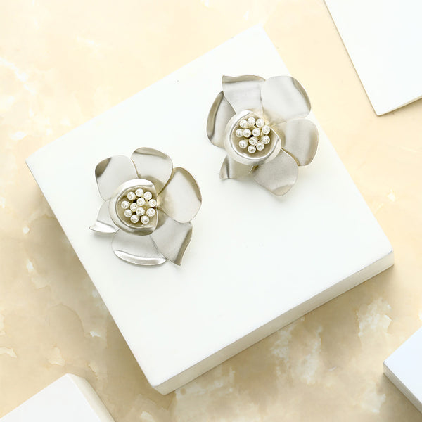SILVER TONED BUTTERCUP STUD EARRINGS