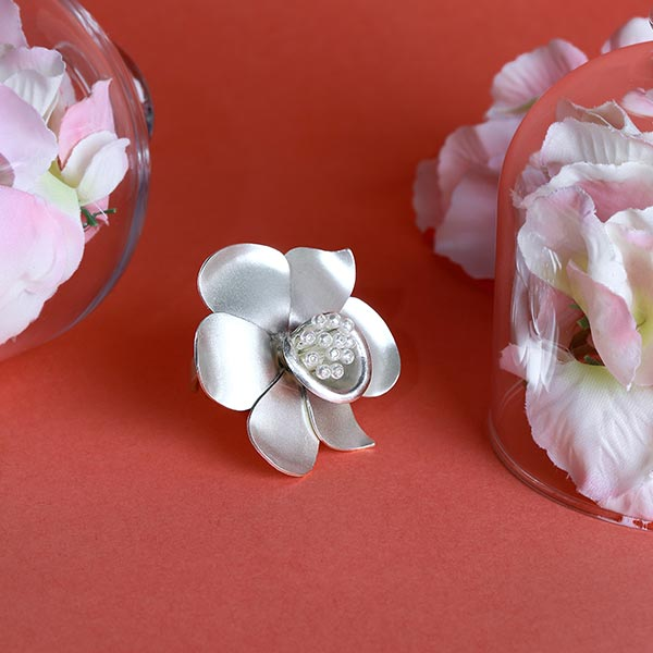 SILVER TONED BUTTERCUP RING