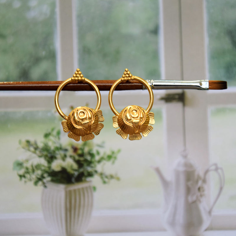 GOLD TONED ROSE CIRCLE STUD EARRINGS