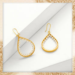 GOLD TONED DROP SHAPED HOOP EARRINGS WITH PEARLS