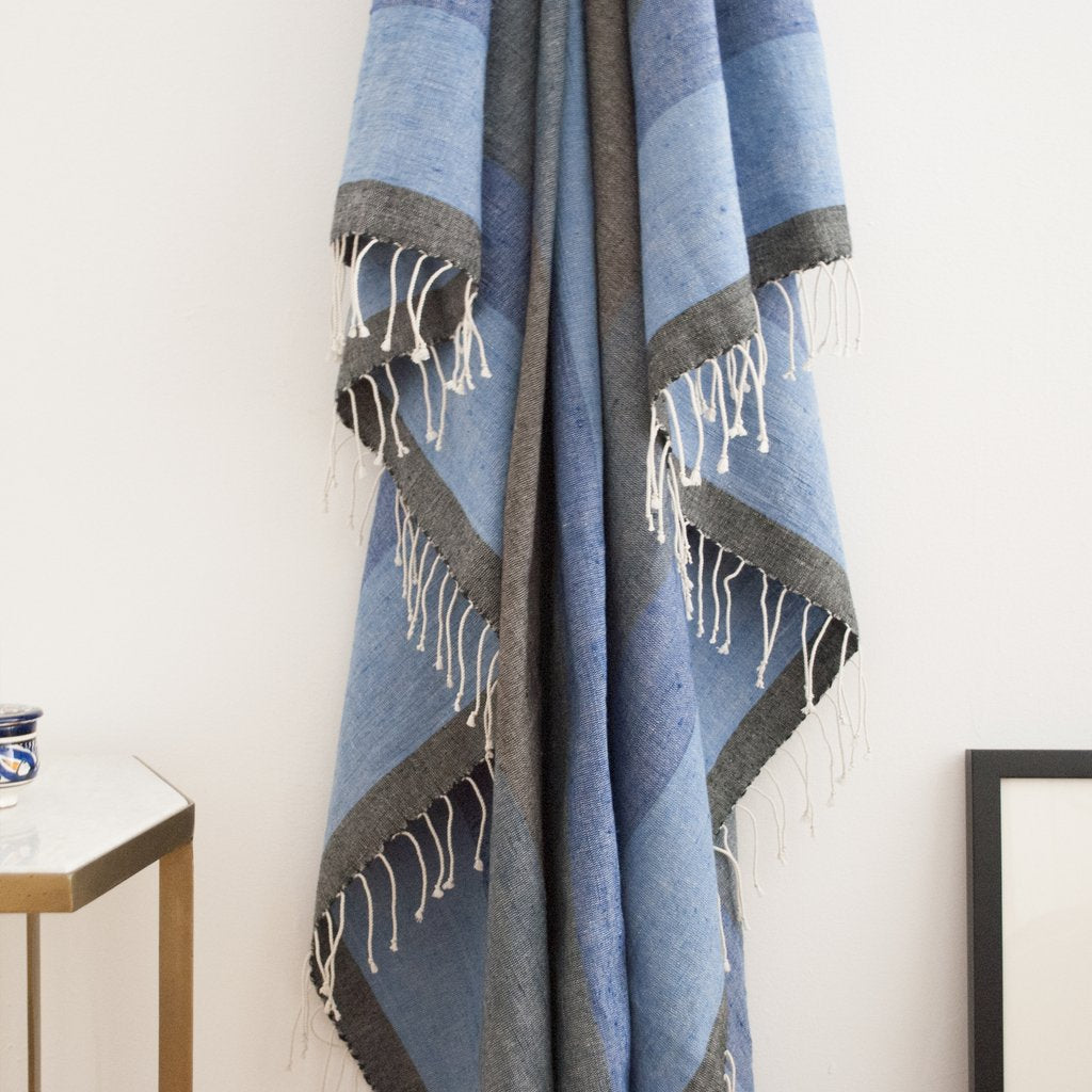 AFAR THROW IN MIDNIGHT