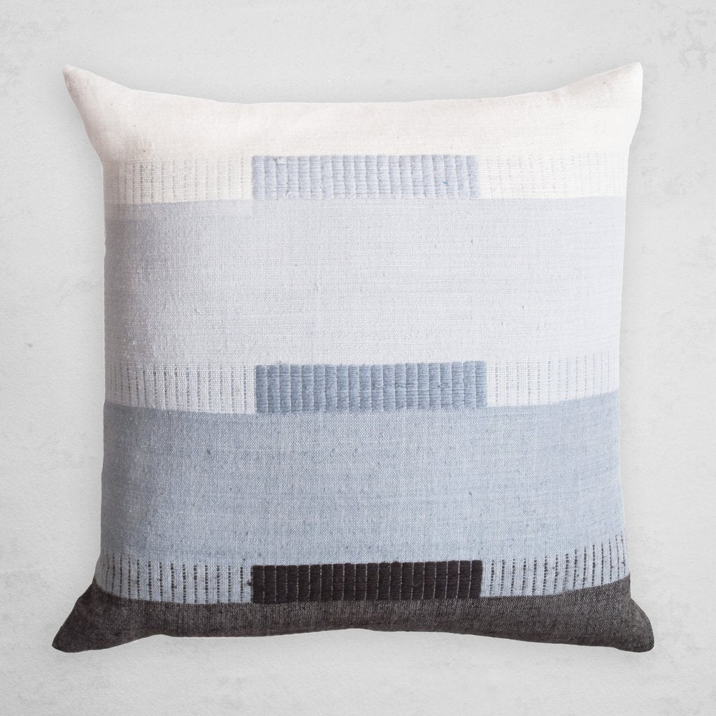 BALE PILLOW IN MIST