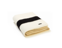 Load image into Gallery viewer, THE SIEMPRE RECYCLED BLANKET IN IVORY AND BLACK