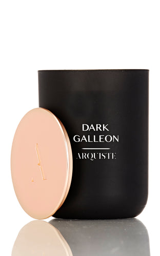 DARK GALLEON CANDLE