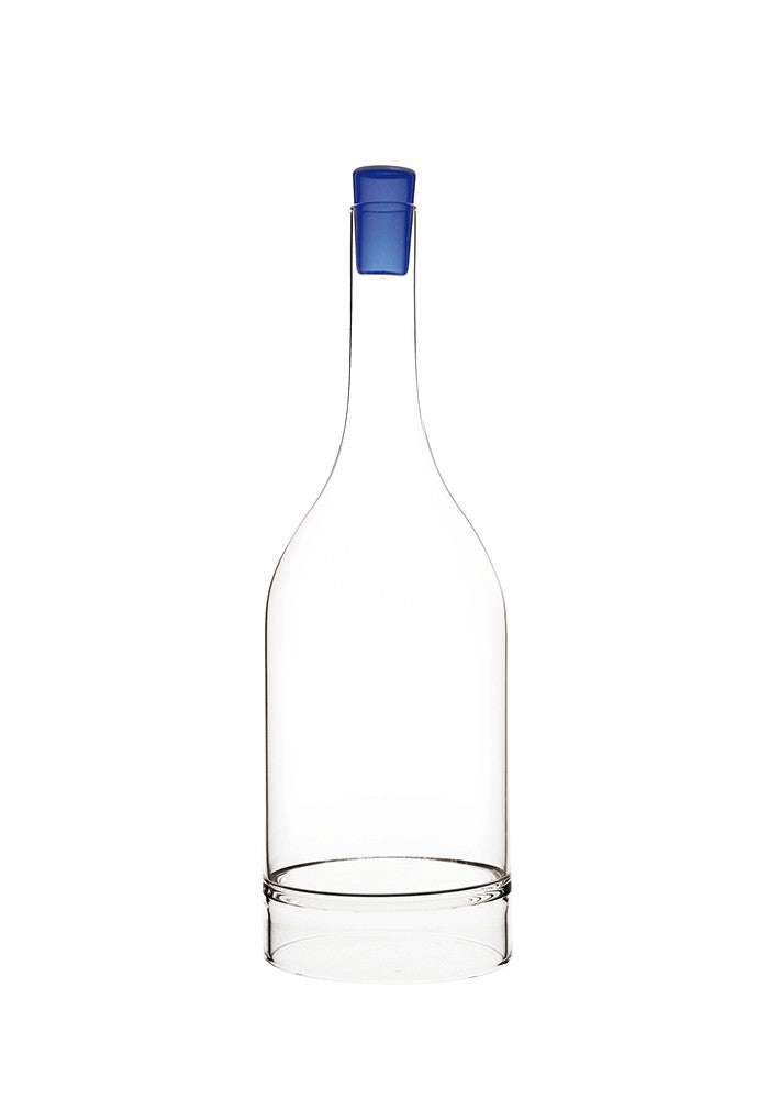 PERCHED CARAFE WITH BLUE GLASS STOPPER