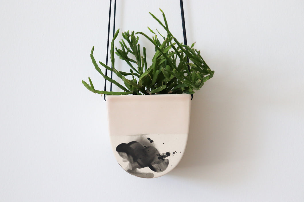 HALF MOON HANGING PLANTER IN SUMMER SWEET, SMALL