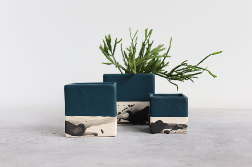 SQUARE SPLATTER PLANTER IN DEEP OCEAN, MEDIUM