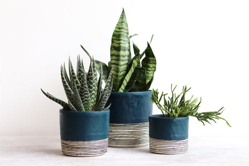 ROUND STRIPED PLANTER DEEP OCEAN
