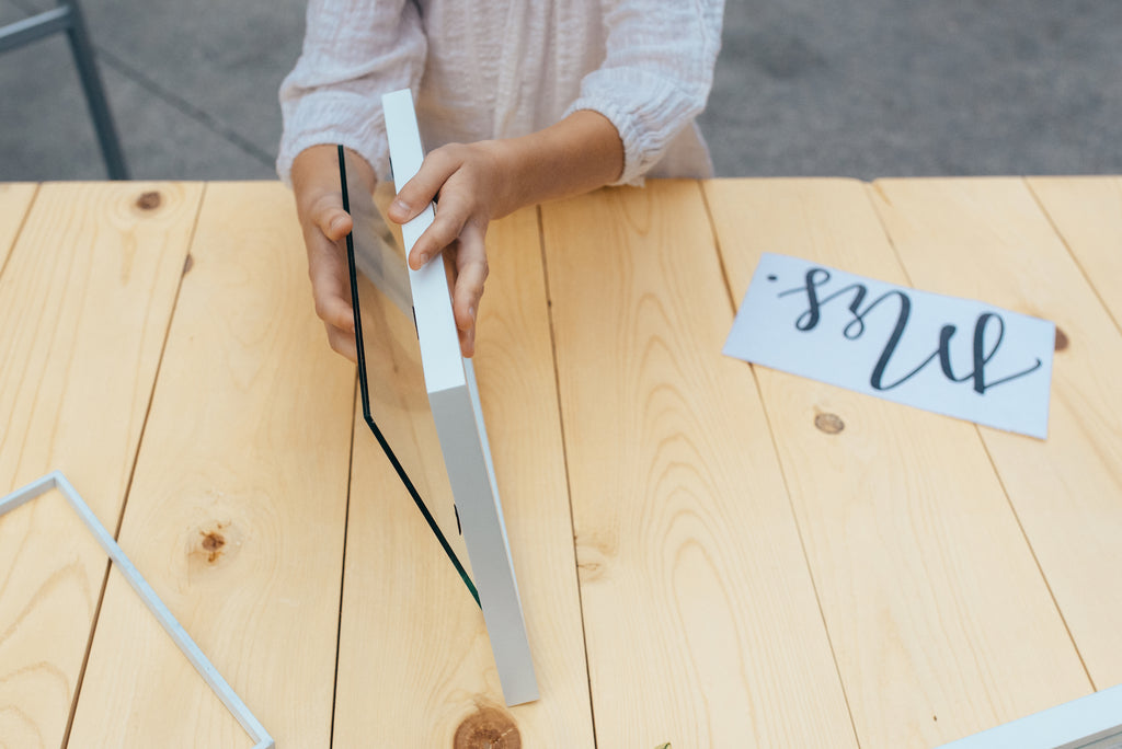 DIY Mr. and Mrs. Sign