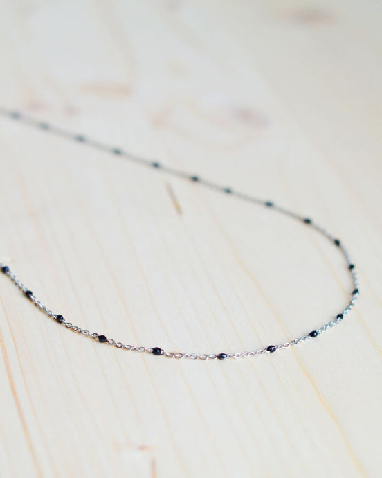 Black dot necklace silver