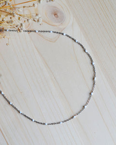 White dot necklace silver