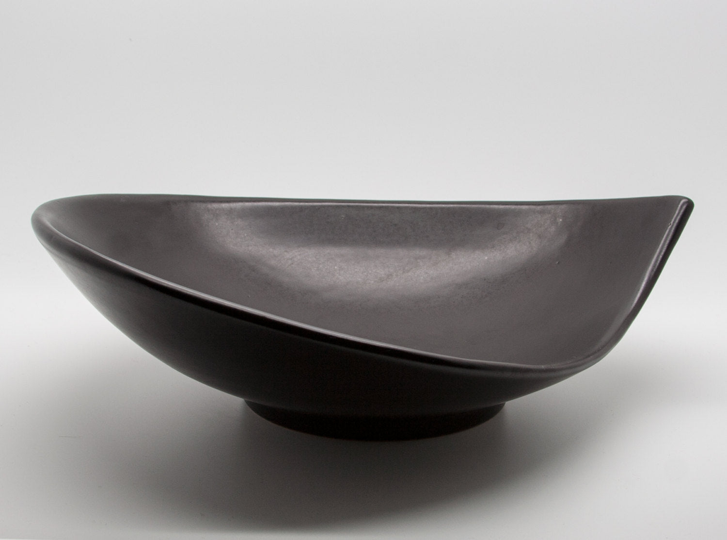 MØRKØV Black Glazed Ceramic Fruit Tray - Mollaris.com