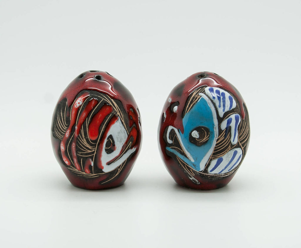 SAN MARINO Red & Blue Fish Ceramic Salt & Pepper Shaker Set - Mollaris.com