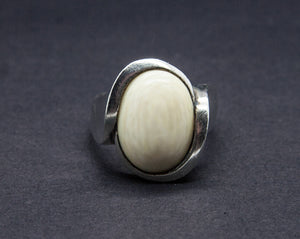 NIELS ERIK FROM Modernist Faux Ivory Cabochon Solid Sterling Silver Ring (925S) - Mollaris.com