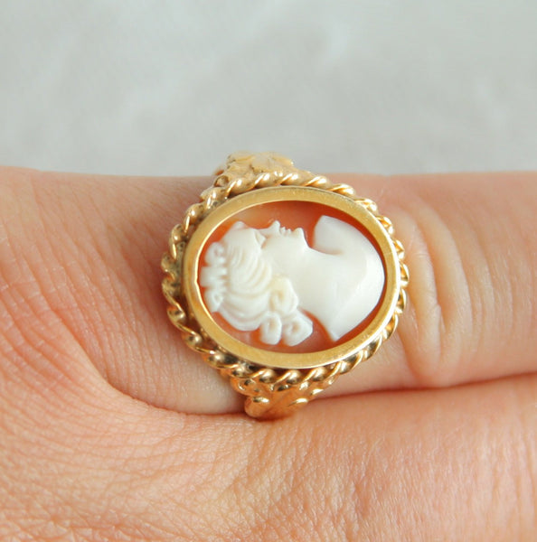 HUGO GRÜN Antique Carved Shell Cameo 14K Solid Gold (585) Ring - Mollaris.com