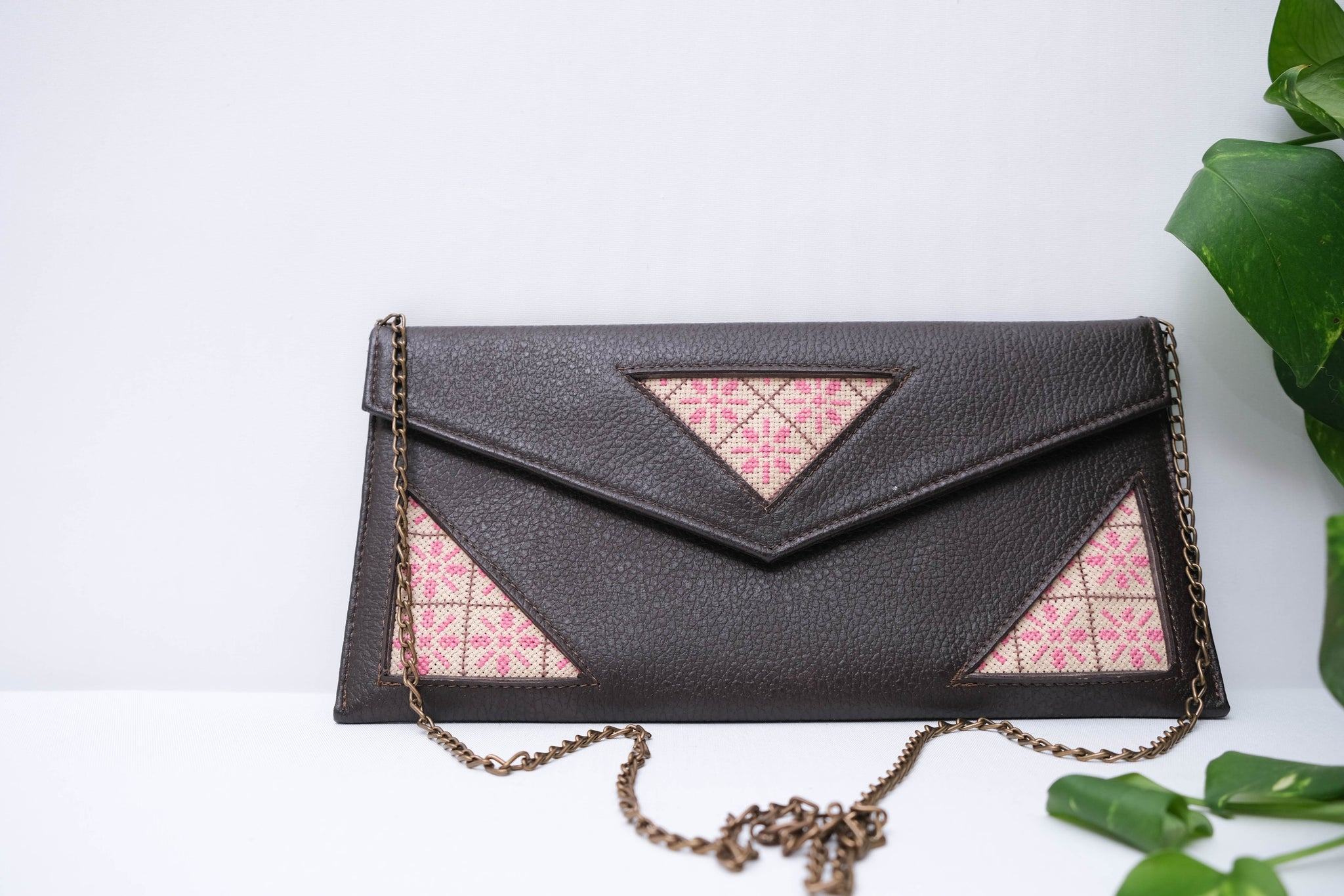 Three Triangles Leather Purse