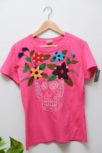 Embroidered T-shirt- L