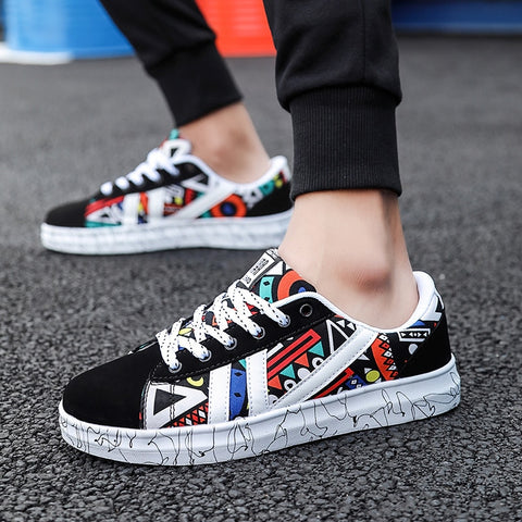 Men's Canvas Seakers 2019 New Classic Shoes Male Students Youth Autumn Graffiti Men's Shoes Casual College Wind Boys Sneakers