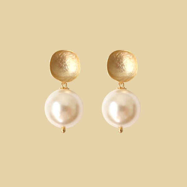 WHISPER WHITE EARSTUD - GOLD
