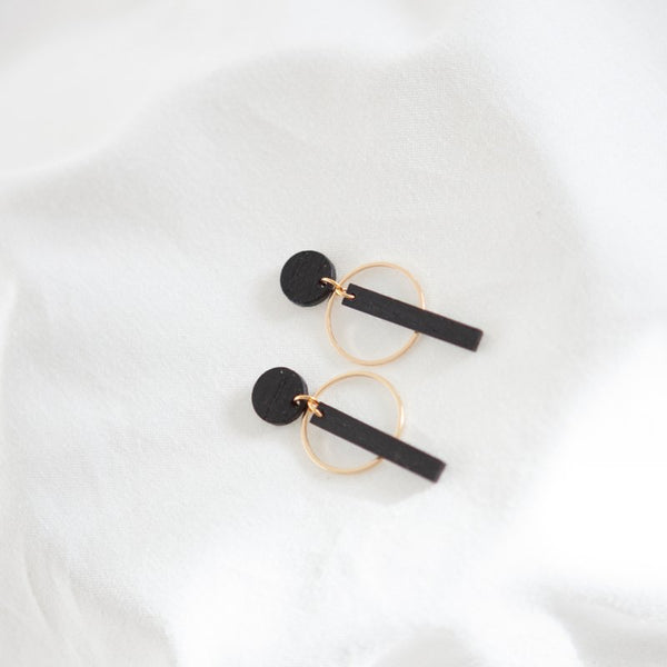 BLACK 10 EARRINGS - NATURAL BLACK