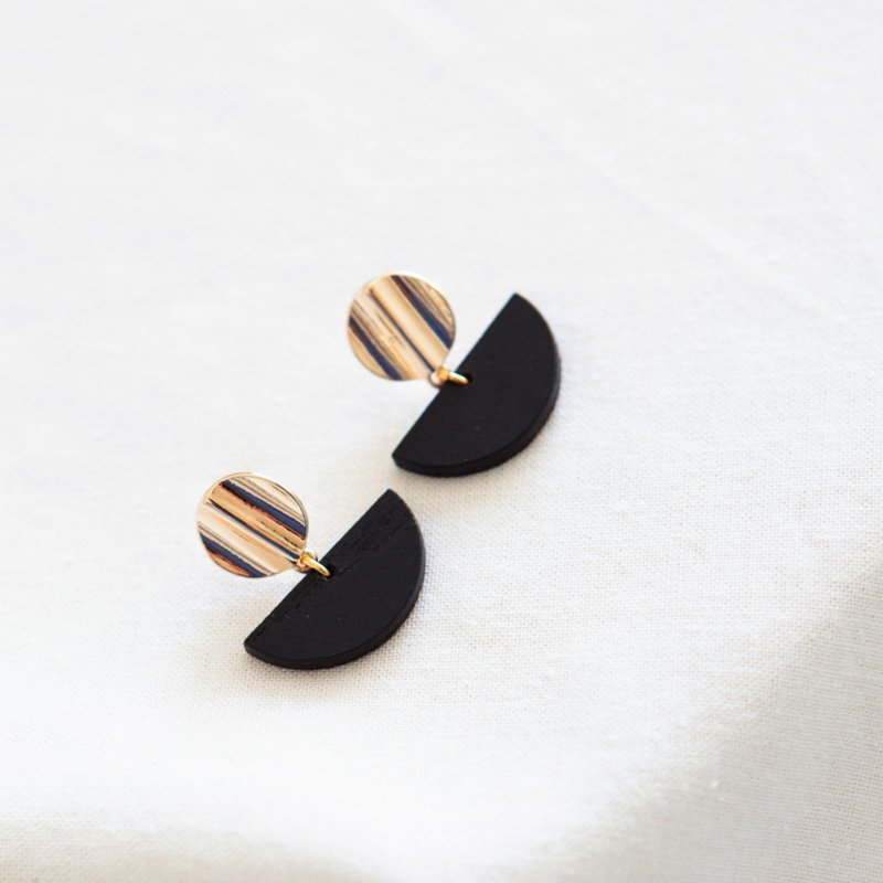 BLACK 01.A  EARRINGS - NATURAL BLACK