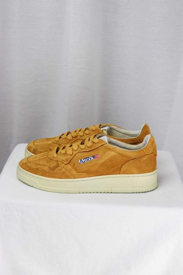 AUTRY AULM SS03 LOW MAN - SUEDE/SUEDE OCHER