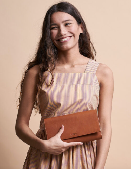 KIRSTY CLUTCH - ECO-COGNAC - O MY BAG
