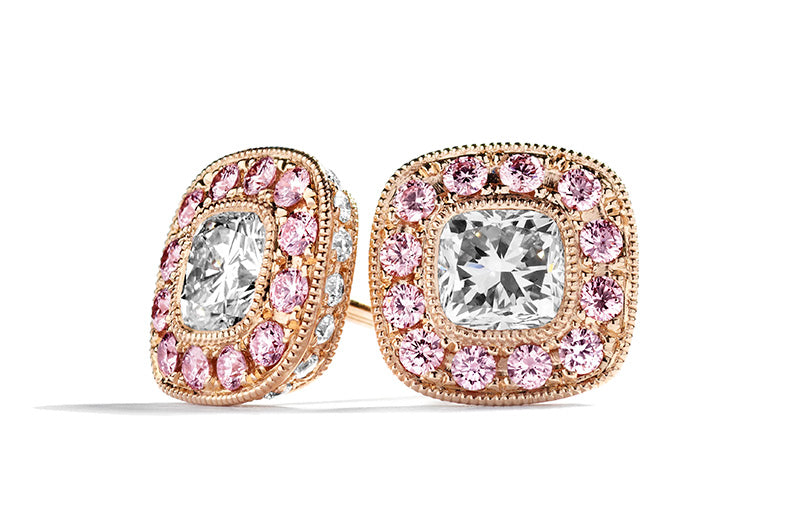 Roset ørestikker med 1,45 ct. cushion-cut diamanter og 0,35 ct. Argyle Pink brillanter