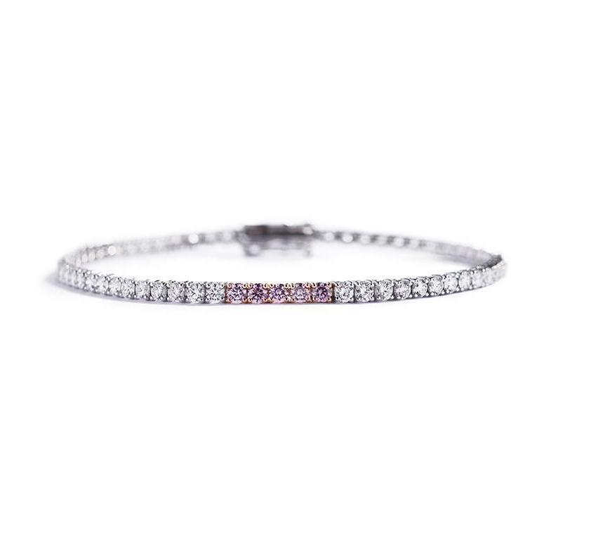 Tennisarmbånd med 0,25 ct. Argyle Pink brillanter