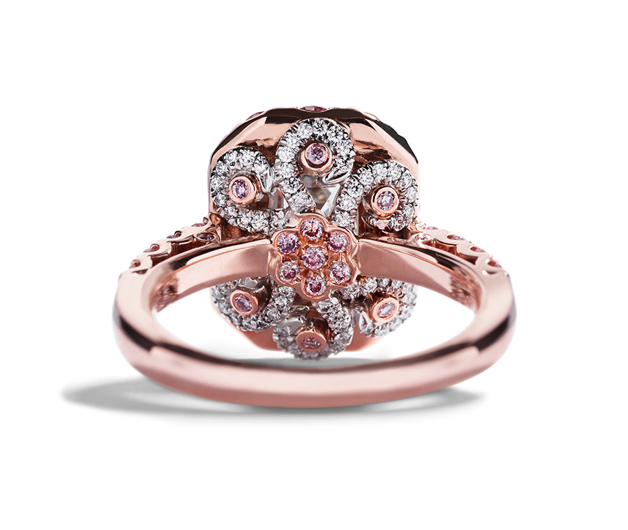 """The Pink Octopus"" ring med smaragdsleben diamant og Argyle Pink diamanter"