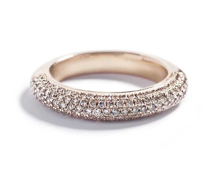 Pavéring med 0,75 ct. Argyle Champagne brillanter