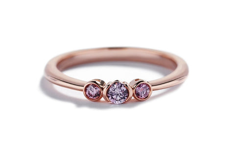 3-stens Diamantring med 0,18 ct. Argyle Pink diamanter