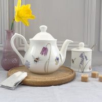 bee and spring flower two cup small Teapot