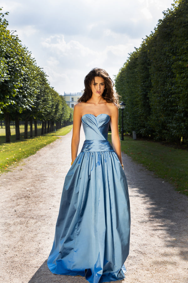 DRAPED SILK CORSET GOWN WITH VOLUMINOUS SKIRT