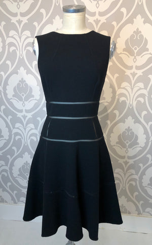 Oscar de la Renta Black Sleeveless Dress with Flare Size 4