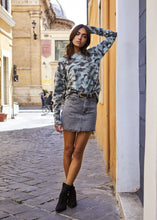 Load image into Gallery viewer, Ilaria Crewneck - Camo
