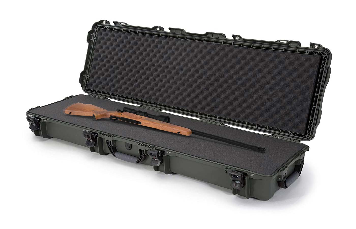 Nanuk 995 rifle case with a Winchester Model 70