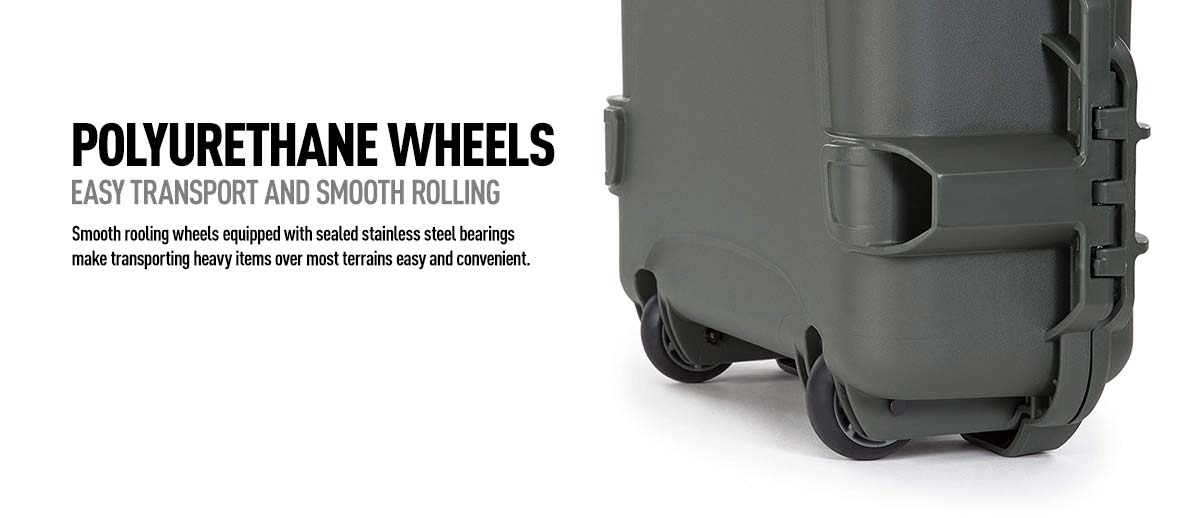 Nanuk 995 comes with two Polyeurethane wheels