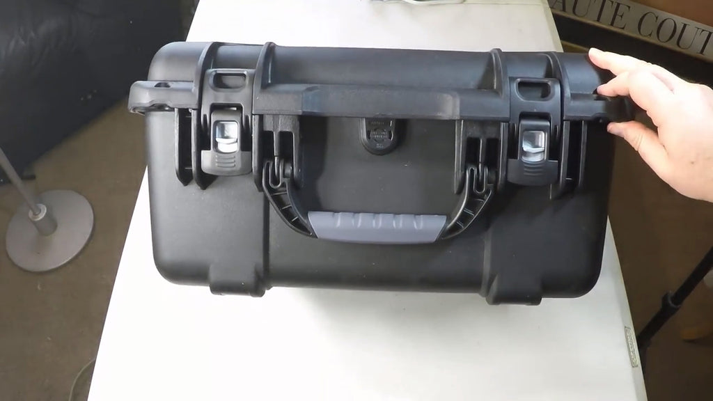 Nanuk Hard Case 933 Power Latches