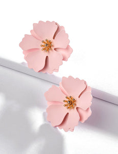 Pink Daisy Flower Bloom Stud Earrings - Liz & Addie