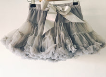Afbeelding in Gallery-weergave laden, Fluffy, tutu - Misty Grey